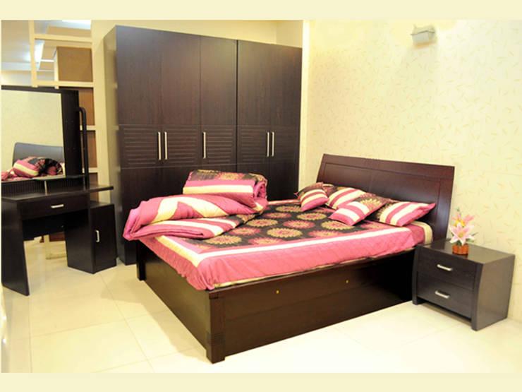 Bedroom design:  Bedroom by ujjwalinteriors