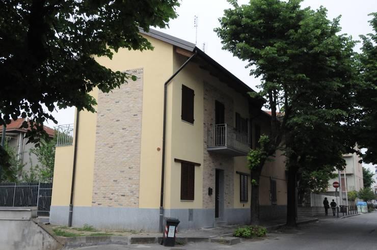 Casa SM: Case in stile  di ArchitetturaTerapia®,