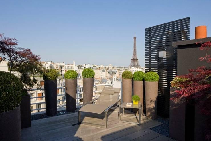 Terrasse de style  par Paul Marie Creation