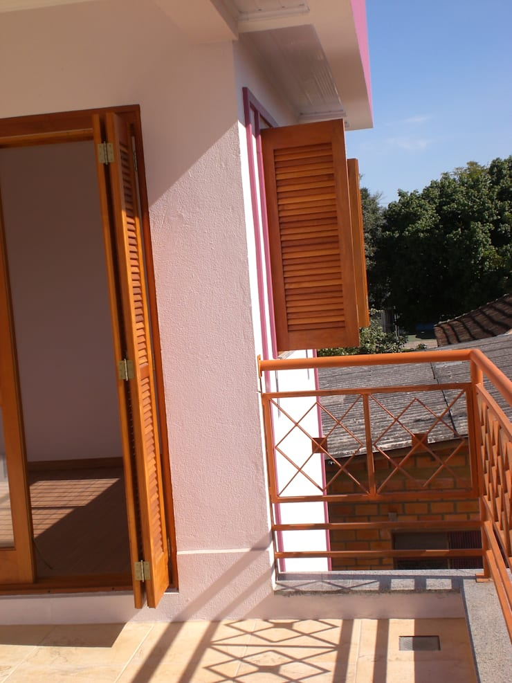 Terraço: Terraços  por Graziela Alessio Arquitetura,