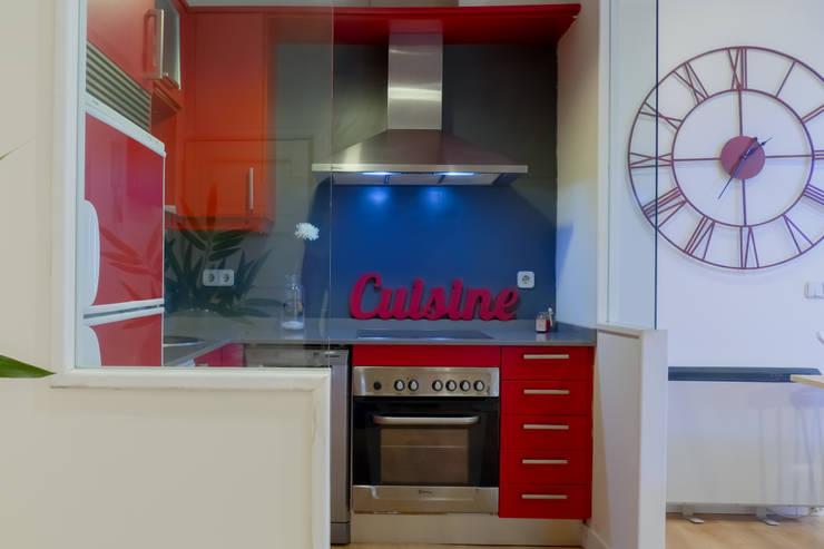 Cozinhas modernas por Asun Tello