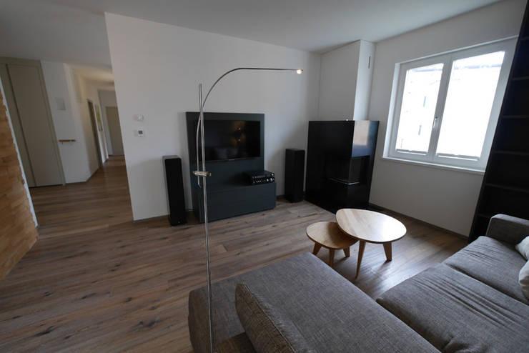 Penthouse Bozen Wohnzimmer By Teamlutzenberger Homify