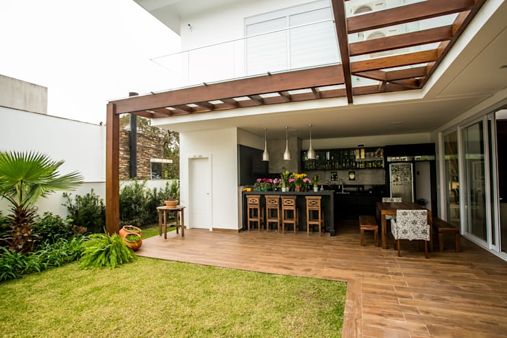 Patios by Roma Arquitetura