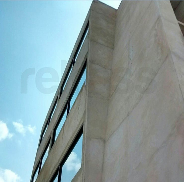 Avance obra - Fachada: Paredes de estilo  por retross arquitectura y proyectos