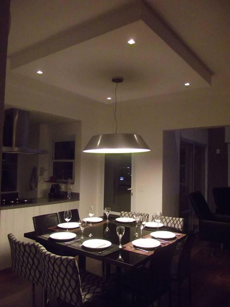 Loft de 104,00m2: Salas de jantar  por Daniele Rossi Lopes Arquitetura e Design