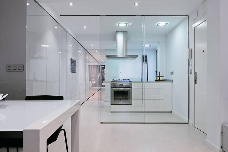 Casa Manises - Cocina : Cocinas de estilo minimalista de Chiralt Arquitectos