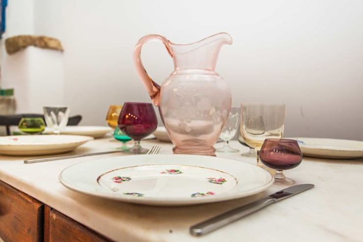 Prédio Turístico em Santa Catarina, Lisboa: Cozinha  por alma portuguesa