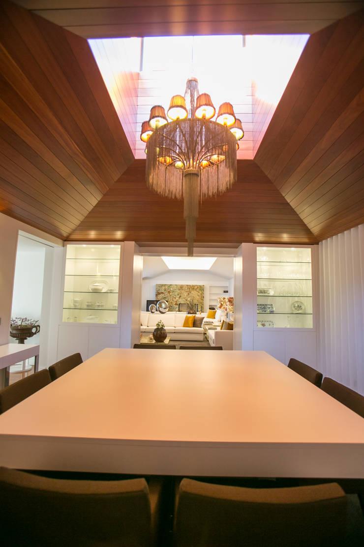 Moradia MC: Salas de jantar  por RDLM Arquitectos associados