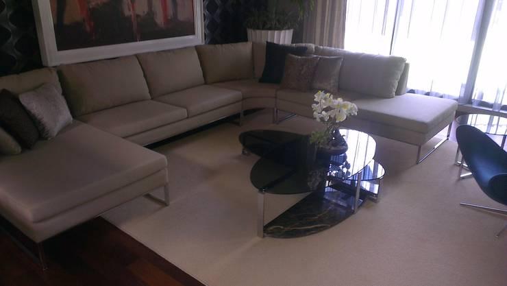 SALAS: Comedores de estilo  por Diseño en muebles