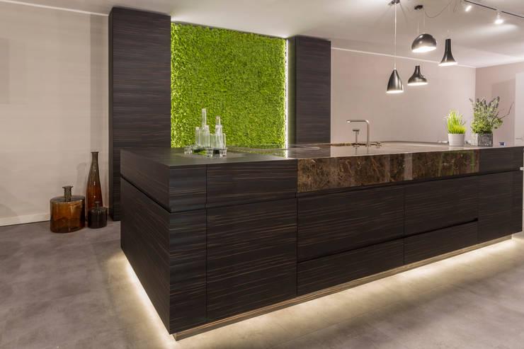 Oryginalny mech Moss Trend, Gruppo 5, Vicenza, Włochy: styl , w kategorii Kuchnia zaprojektowany przez BandIt Design,Nowoczesny Granit