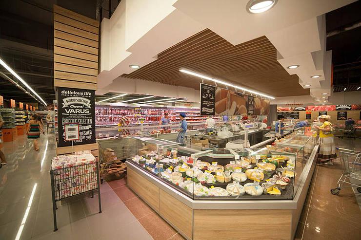 Дизайн супермаркета VARUS Офисы и магазины в стиле минимализм от Студия дизайна Саши Федоренко Минимализм