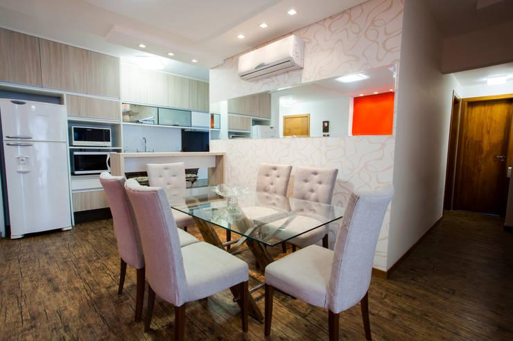 Sala de Jantar com conceito aberto: Salas de jantar modernas por Janete Krueger Arquitetura e Design