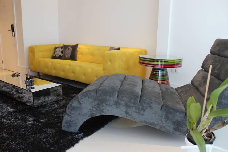 Sala de Estar: Salas de estar  por Parm Arquitetura