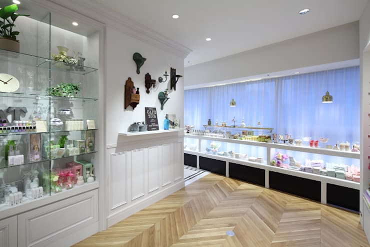 Afternoon Tea LIVING ReMIX: HEADSTARTSが手掛けた商業空間です。
