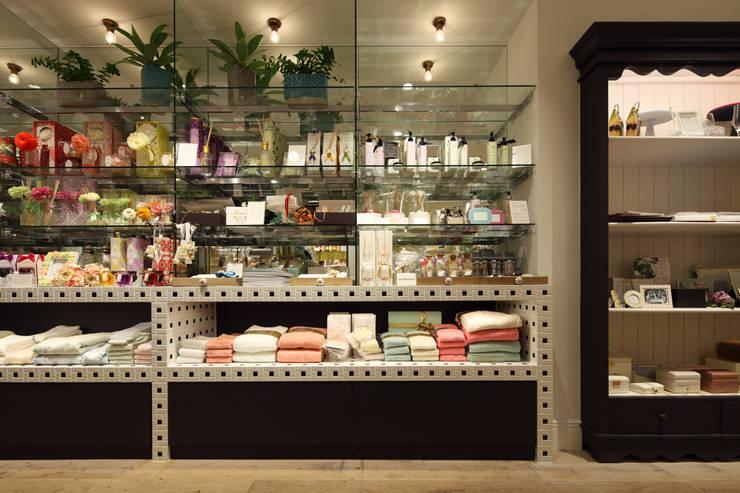 Afternoon Tea GIFT & LIVING: HEADSTARTSが手掛けた商業空間です。