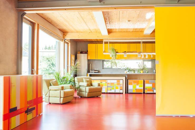 Cuisine de style  par Architekturbüro Dr. Görstner