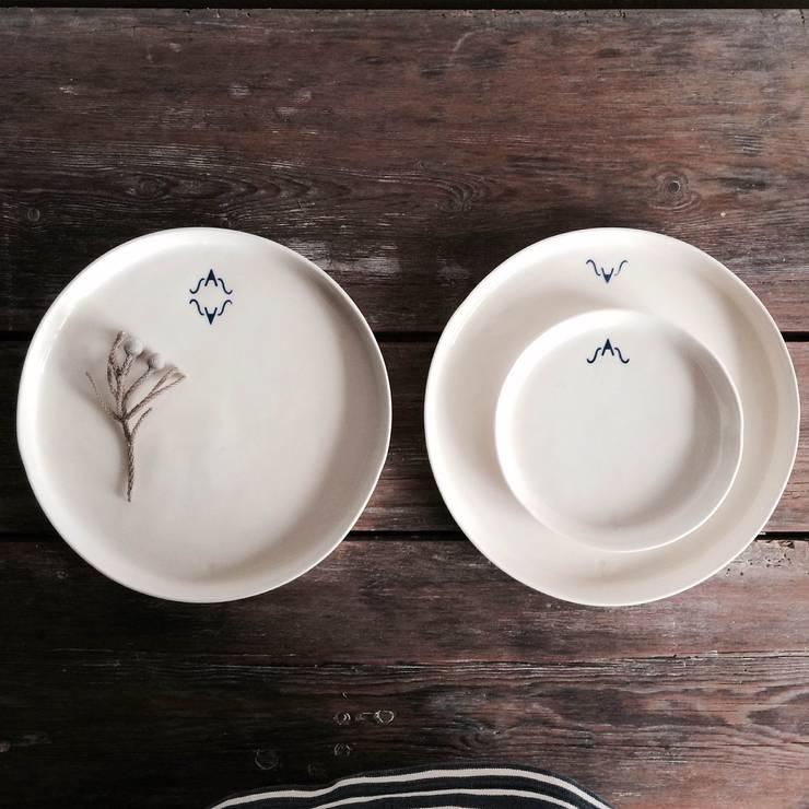 """Monogram Collection """"SAS"""": Cozinha  por Margarida Fabrica"""