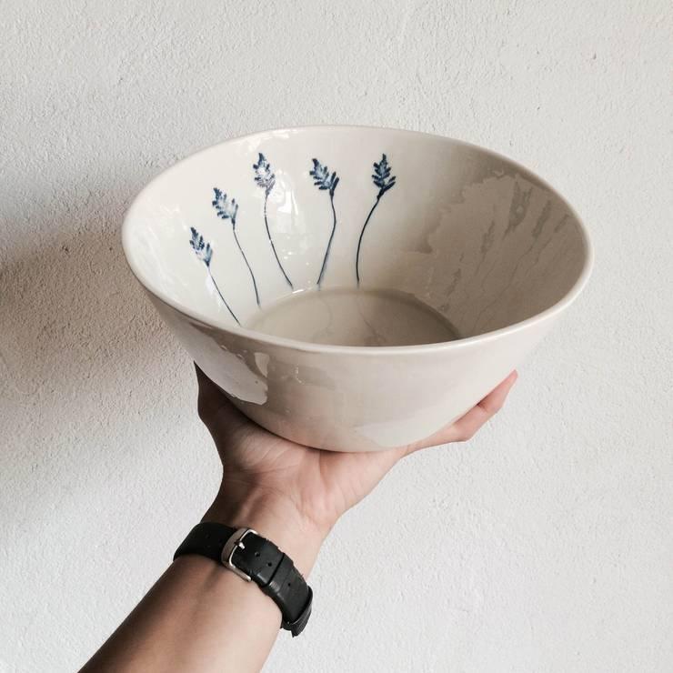 Salad Bowl: Cozinha  por Margarida Fabrica