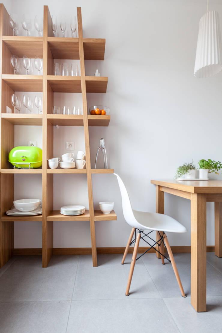 Our photoshoot of apartment design by mode:lina architects 1: styl , w kategorii Jadalnia zaprojektowany przez Ayuko Studio