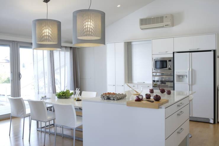 MI-SA: Cocinas de estilo  de jordivayreda projectteam