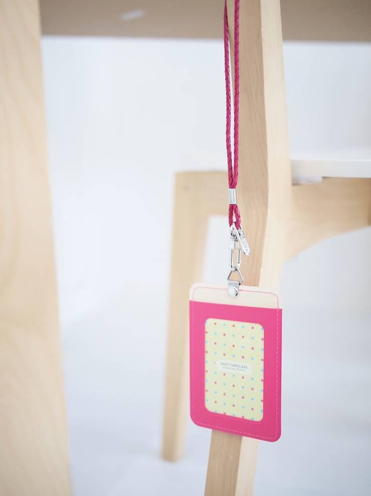 Easy Necklace_hotpink: pleple의  서재/사무실