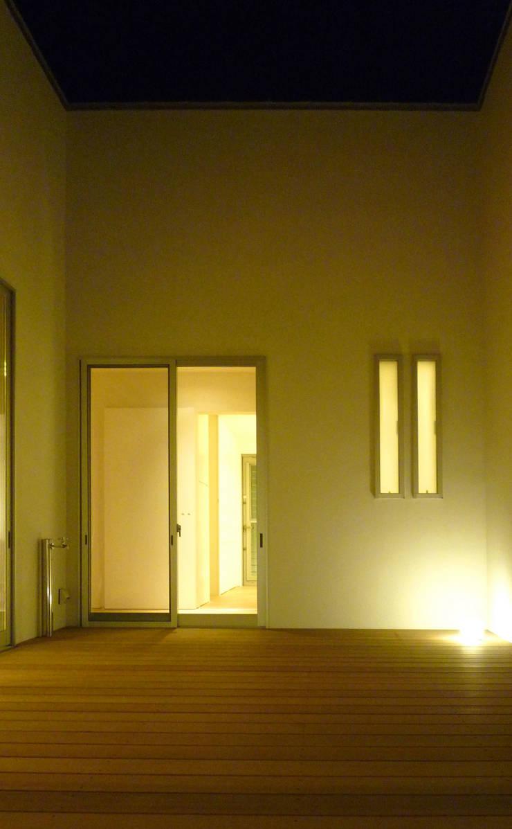 中庭02: design office ONが手掛けた家です。