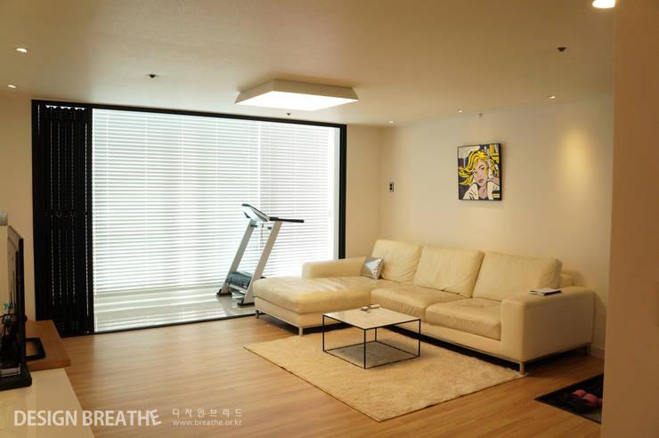 Living room by 디자인브리드