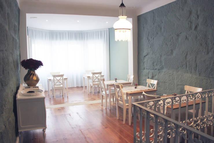 Casa de Godinho: Salas de jantar  por GRAU.ZERO Arquitectura