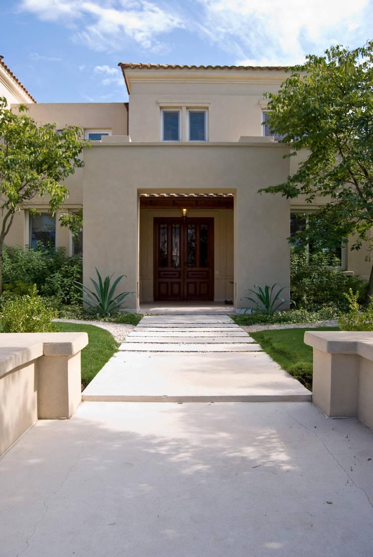 Clásicos Detalles: Casas de estilo  por LLACAY arquitectos