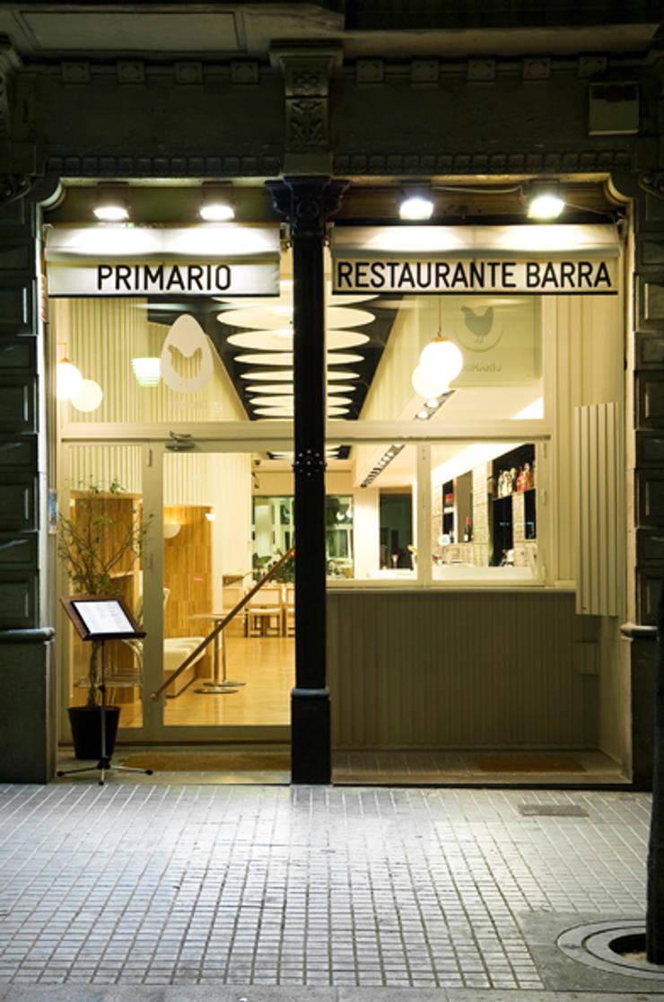 Dining room by Tragaluz Estudio de Arquitectura, Modern