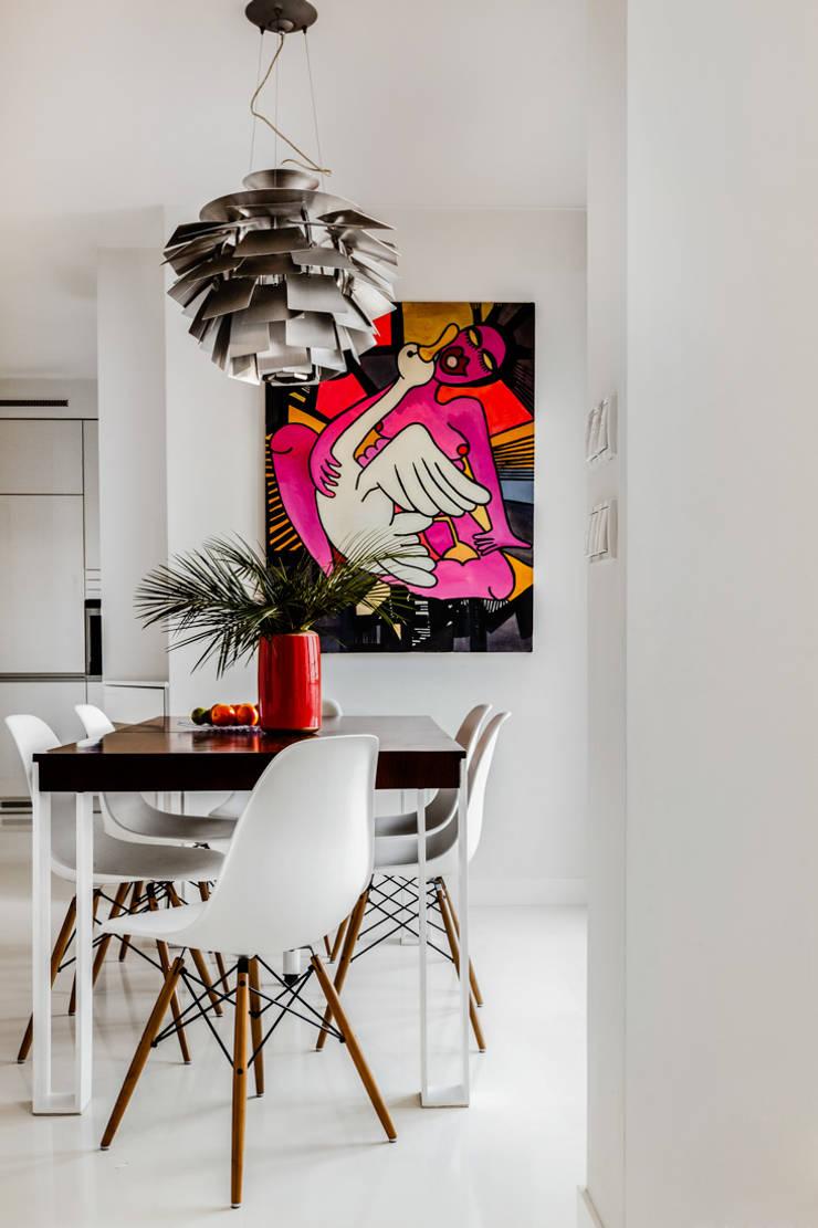 Our photoshoot of apartment design by Biderman Architects: styl , w kategorii Jadalnia zaprojektowany przez Ayuko Studio