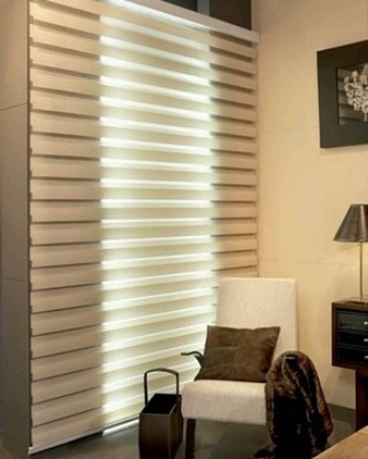 Sue rueda: Dormitorios de estilo  por Sue Rueda