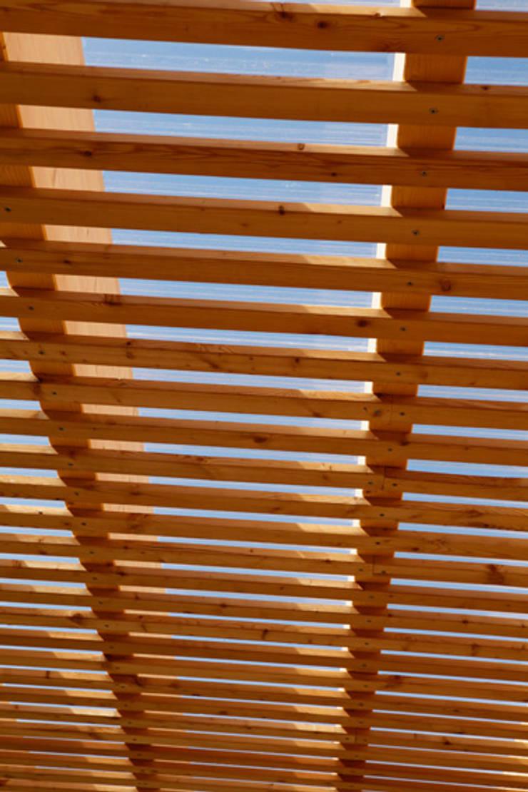 Terrace by SOMMERHAUS PIU, Scandinavian Wood Wood effect