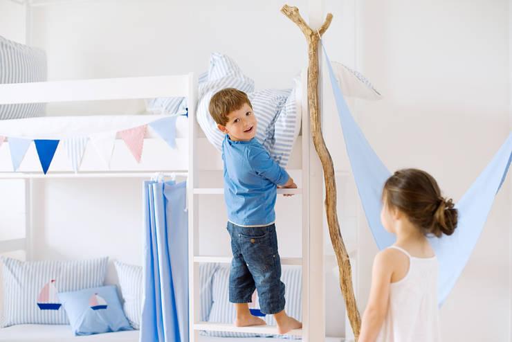 classic Nursery/kid's room by Helena und Frederic Bode GbR