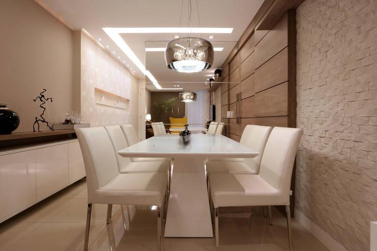 Sala de Jantar: Salas de jantar  por Guilherme Galvão Arquitetura e Interiores