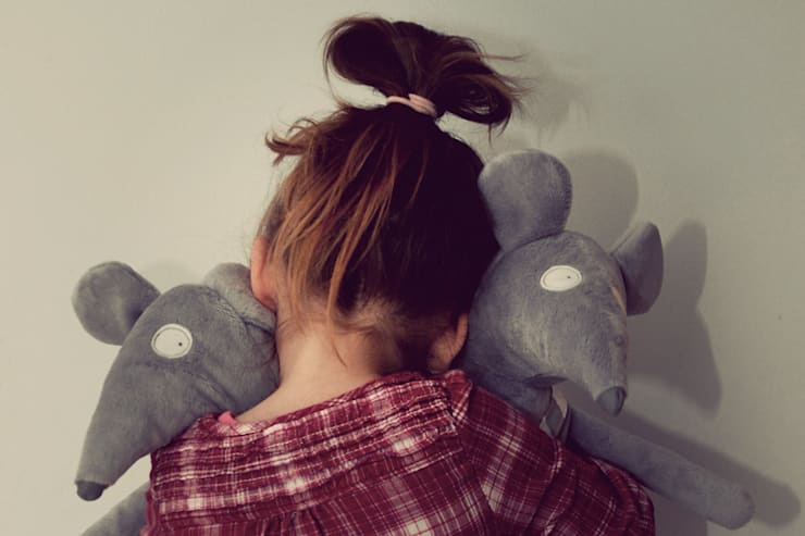 Myszka przytulanka Amelia i Leon: styl , w kategorii Pokój dziecięcy zaprojektowany przez Simpapa