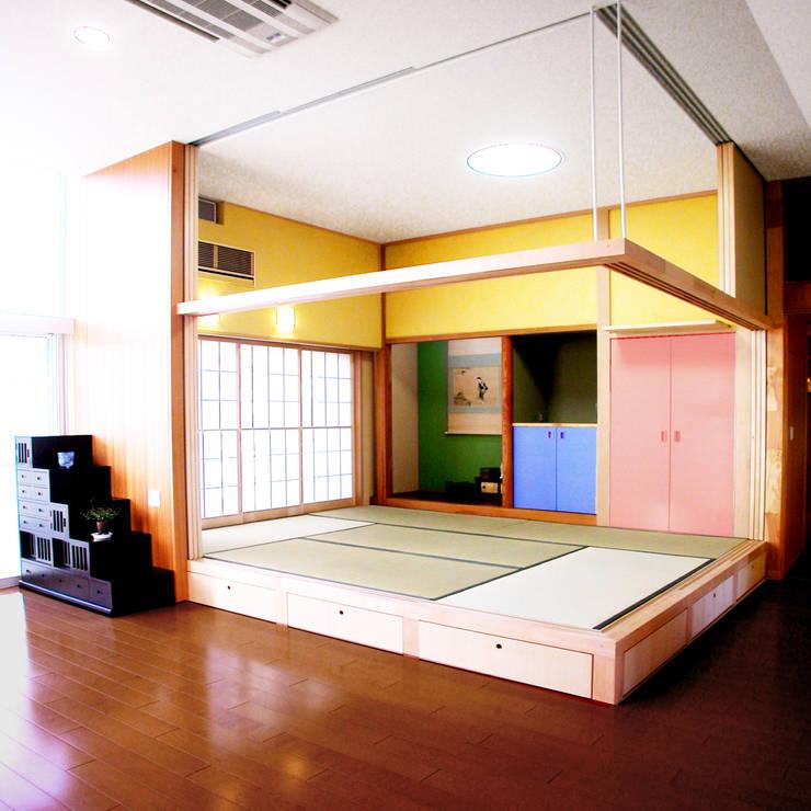 屋上を大地にして住宅をつくる: ユミラ建築設計室が手掛けた和室です。,
