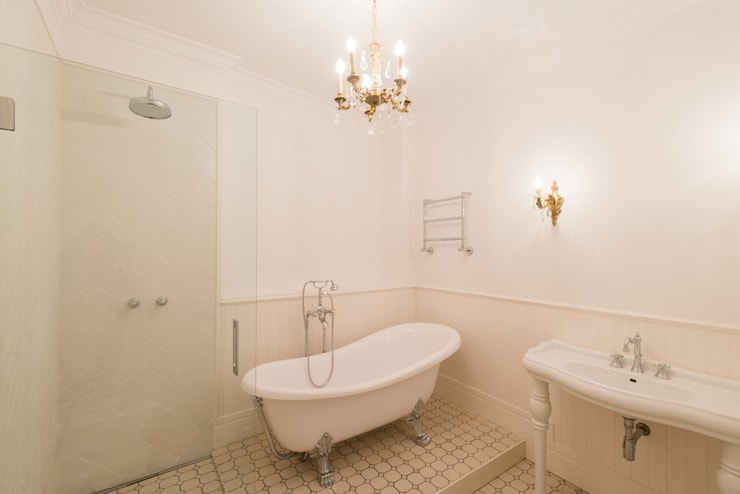 Bagno in stile  di Global Projects
