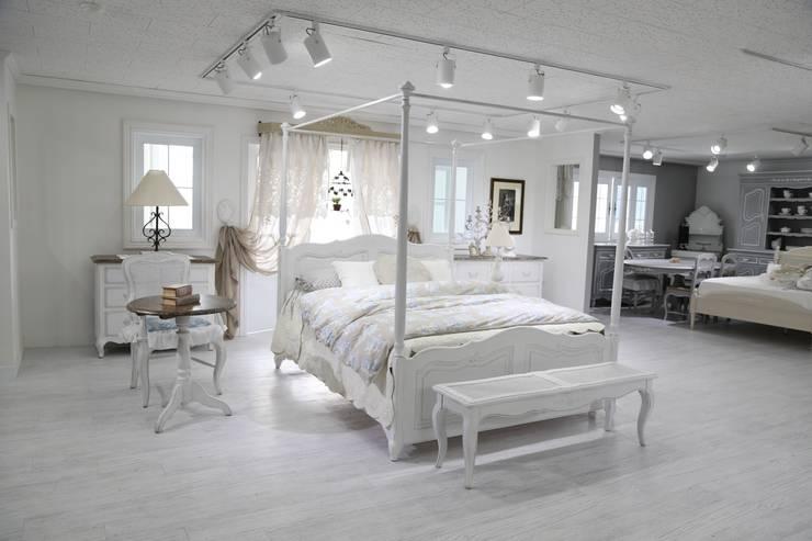 Arles Bed: 쥬네드 마르셀의 스칸디나비아 사람 ,북유럽