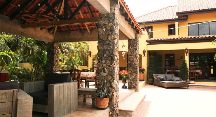 gazebo:  Terras door architectenbureau Aerlant Cloin BNA