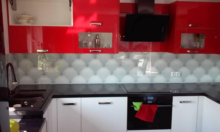 Panel szklany do kuchni WHITE LUX DIAMENT: styl , w kategorii Kuchnia zaprojektowany przez Magic Style Sylwia Ziętara