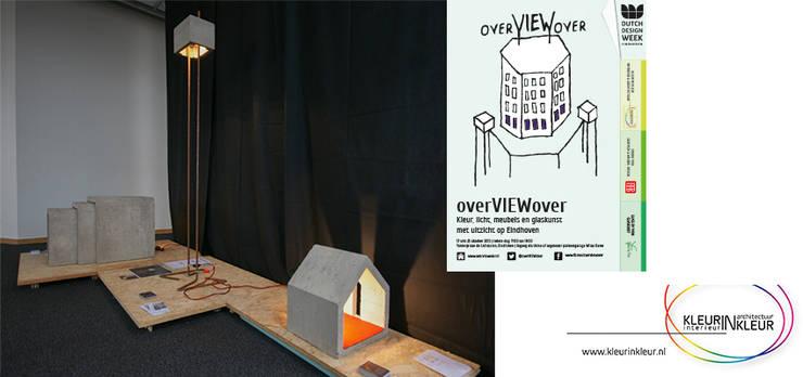 licht in Architectuur in licht:  Woonkamer door KleurInKleur interieur & architectuur