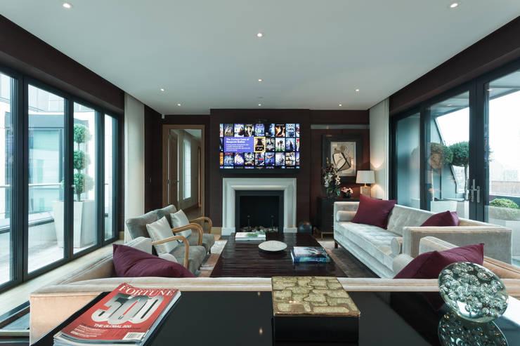 Wohnzimmer von London Residential AV Solutions Ltd