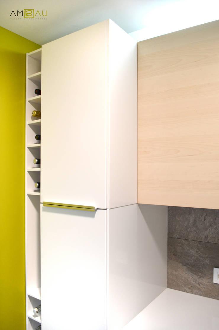 Cuisine de style  par amBau Gestion y Proyectos, Moderne