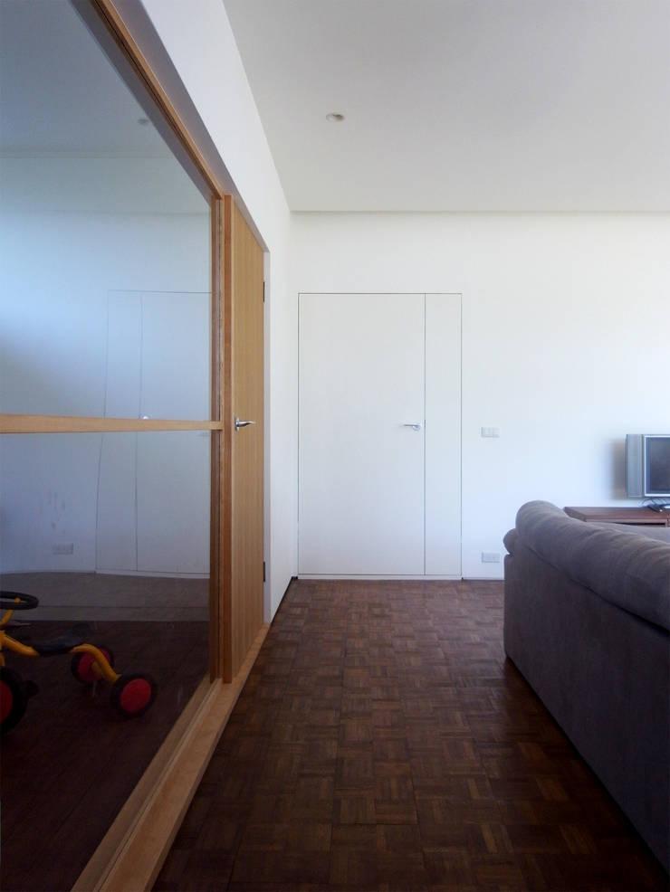 新千里の家: 村松英和デザインが手掛けた子供部屋です。