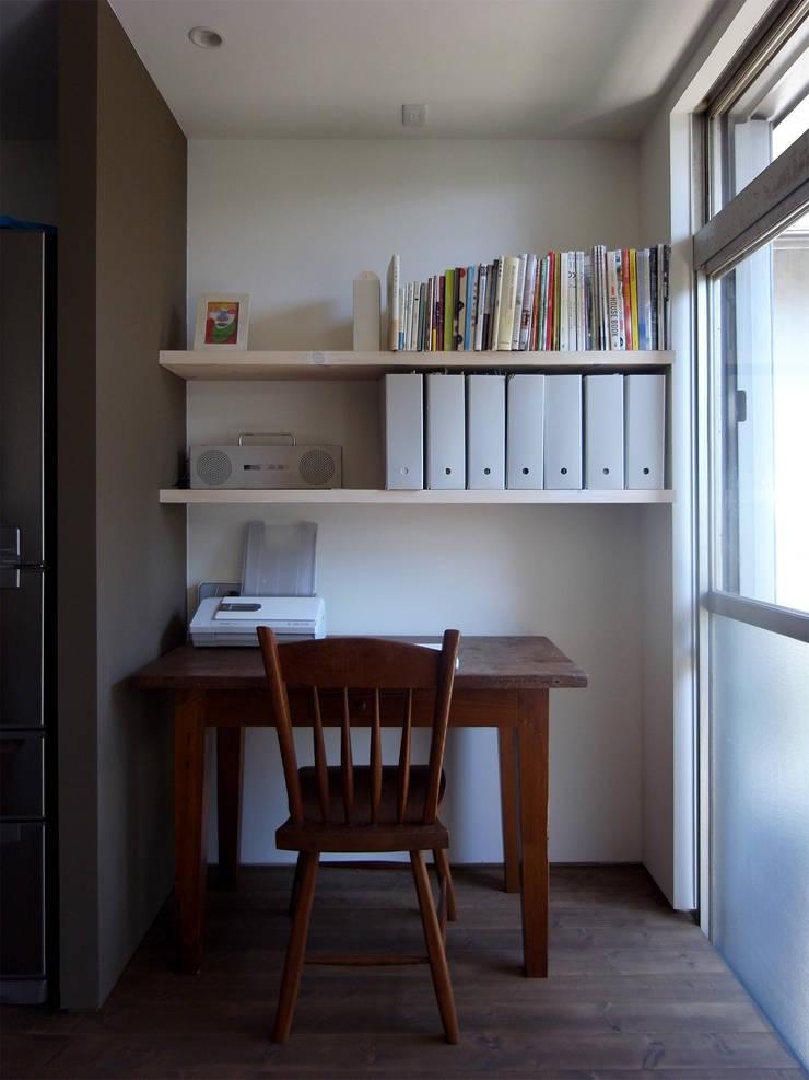 新千里の家: 村松英和デザインが手掛けた和室です。