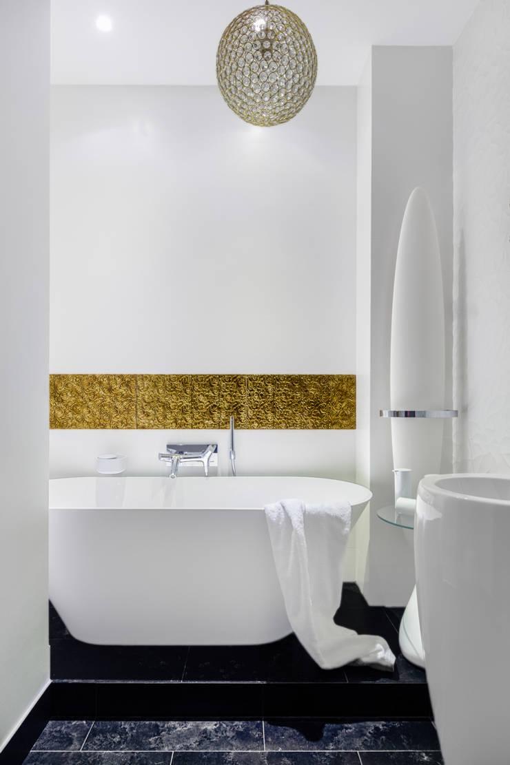 Our photoshoot of apartment located in Warsaw: styl , w kategorii Łazienka zaprojektowany przez Ayuko Studio