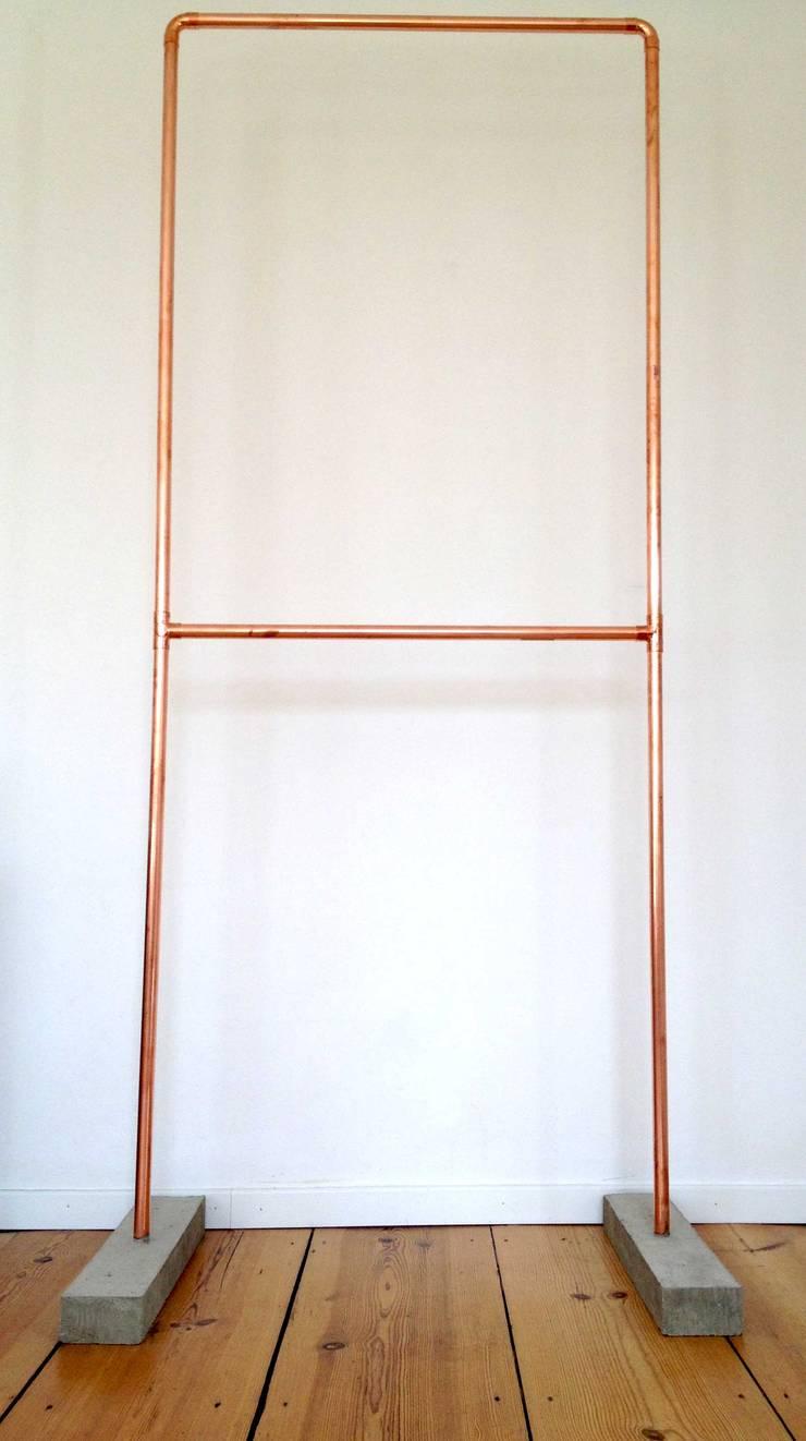Garderobe Kupfer garderobe aus kupfer und beton von 10 knoten | möbeldesign hamburg