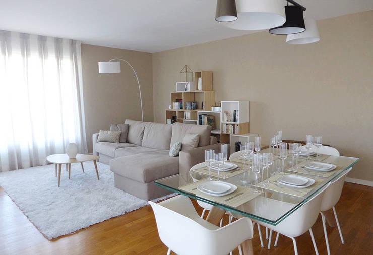 Après / Le Salon et la salle à manger:  de style  par Skéa Designer