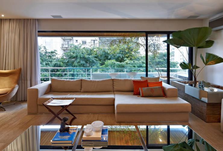 Apartamento Moema: Salas de estar modernas por Luciana Savassi Guimarães arquitetura&interiores